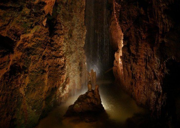 cave-1909324_1280-o7cogv81i3e0hygtaj00ubbawb8ug5qo14063vjt5k-min